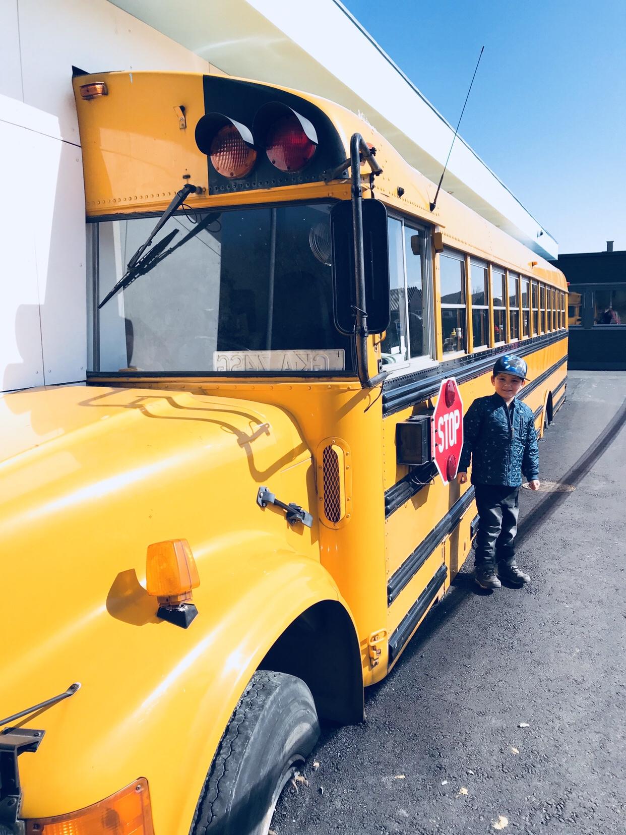 Stacy's diner køge School bus