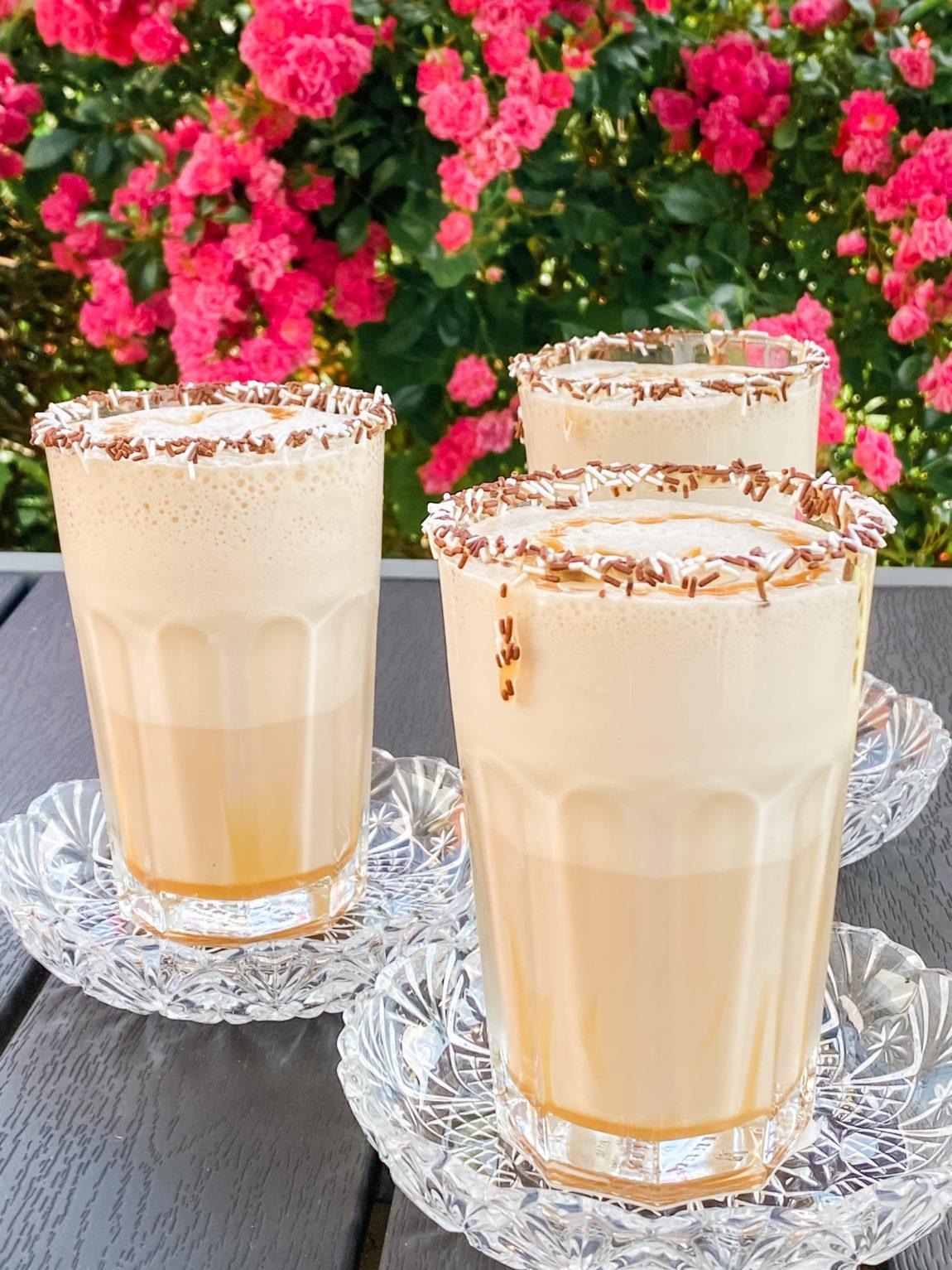 Frappé med kaffe og karamel